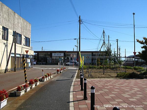 岩室駅駅舎その2