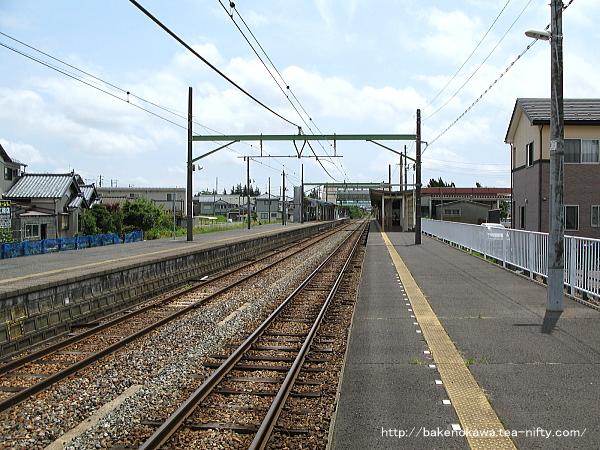 巻駅の1番ホームその1