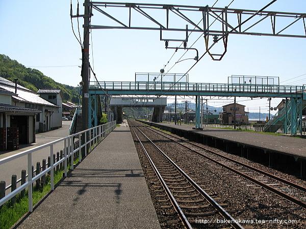 谷浜駅の1番ホームその3