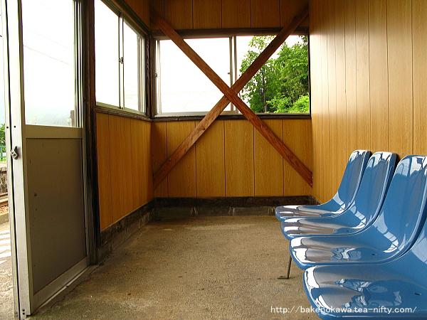 下りホームの待合室その2