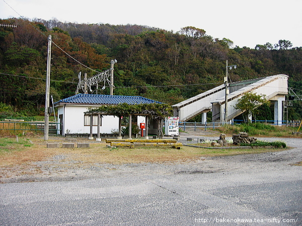 間島駅駅舎その一