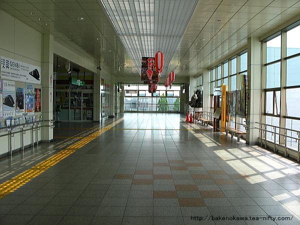 亀田駅橋上駅舎内部その1