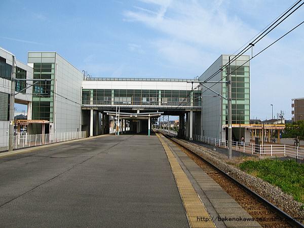亀田駅の島式ホームその4