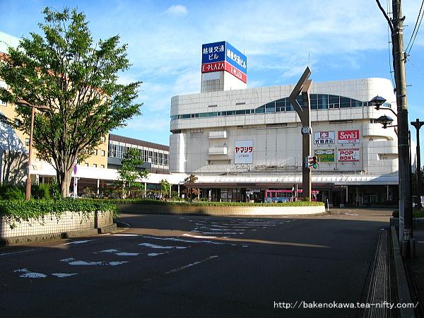長岡駅東口のバス乗り場