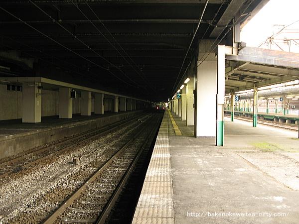 長岡駅の島式ホーム(2-3番線)その2