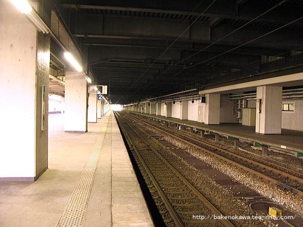 長岡駅の島式ホーム(2-3番線)その5