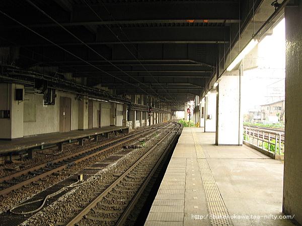 長岡駅の島式ホーム(2-3番線)その6