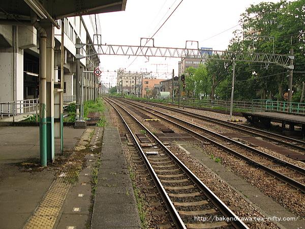長岡駅の島式ホーム(2-3番線)その7