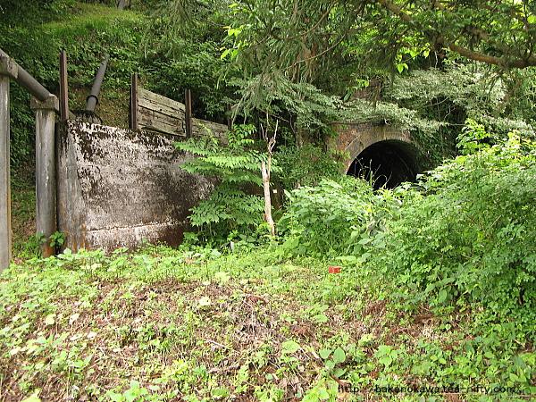 塚山駅付近の廃トンネル