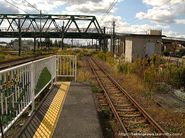0番線端から西新発田駅方を見る