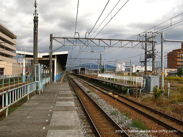 1番線の西新発田駅方から見た新発田駅構内の様子