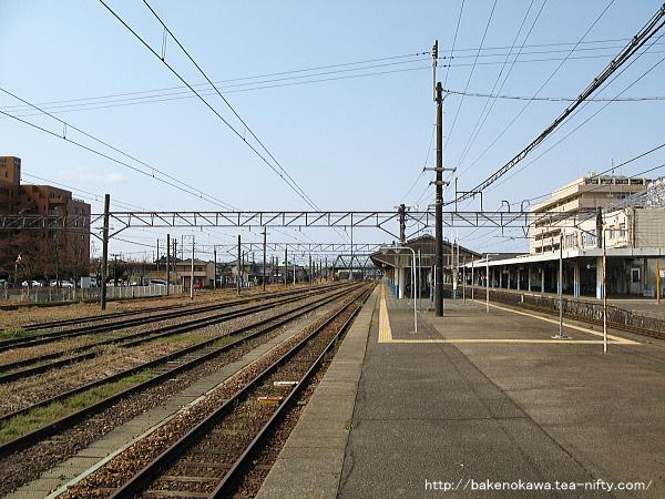 新発田駅の島式ホームその七