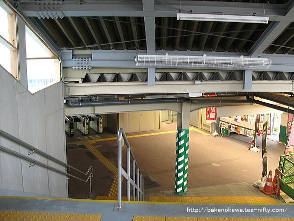 白山駅の仮設跨線橋