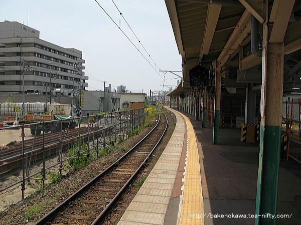 旧2番線から関屋駅方を見る