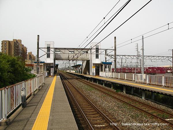 1番線の大形駅方から見た東新潟駅構内