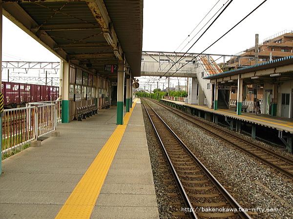東新潟駅の2番線その2