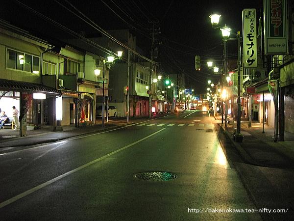 夜の北口駅前通り