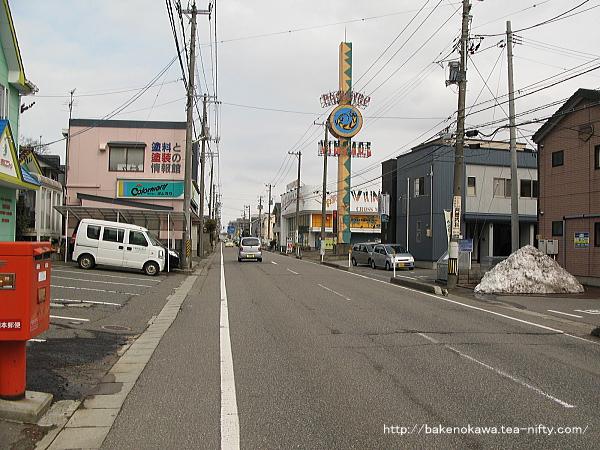 小針駅付近の県道