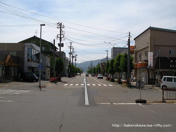坂町駅前通りその一
