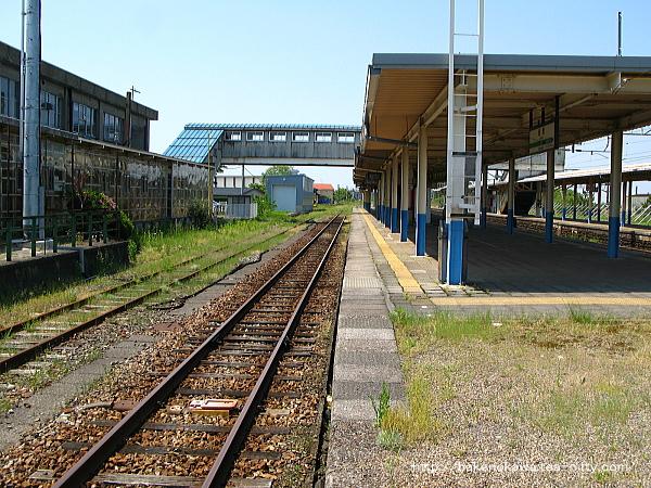 坂町駅の1番線その二