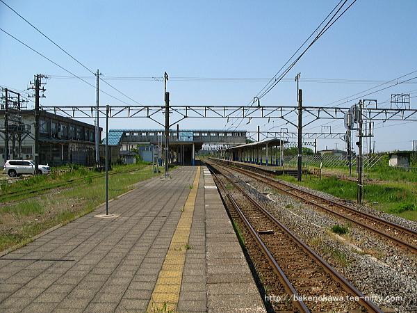 坂町駅の2番線その三
