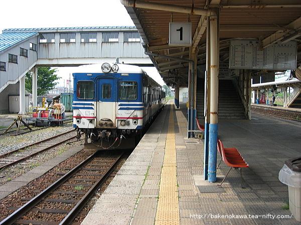 坂町駅で待機中のキハ52形気動車その一