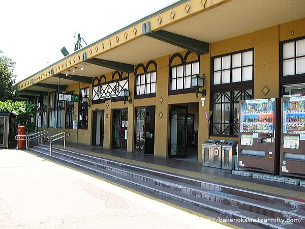 駅舎出入り口付近の様子