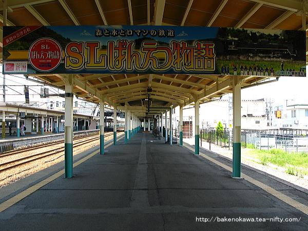 新津駅の1番線その2