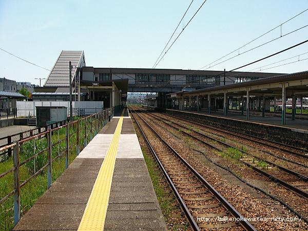 新津駅の1番線その5