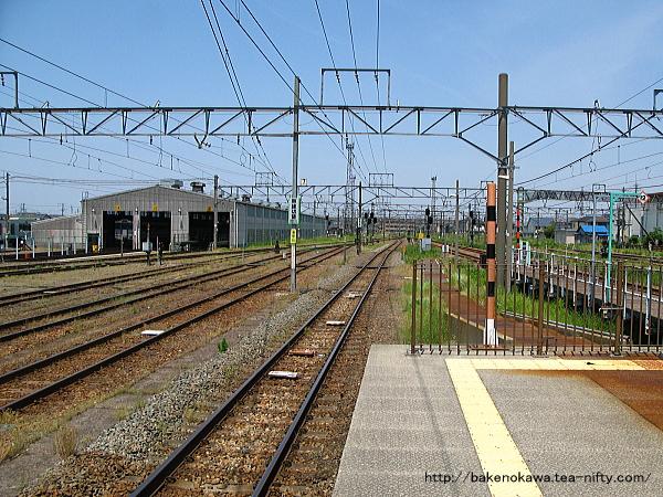 新津駅の4-5番島式ホームその2