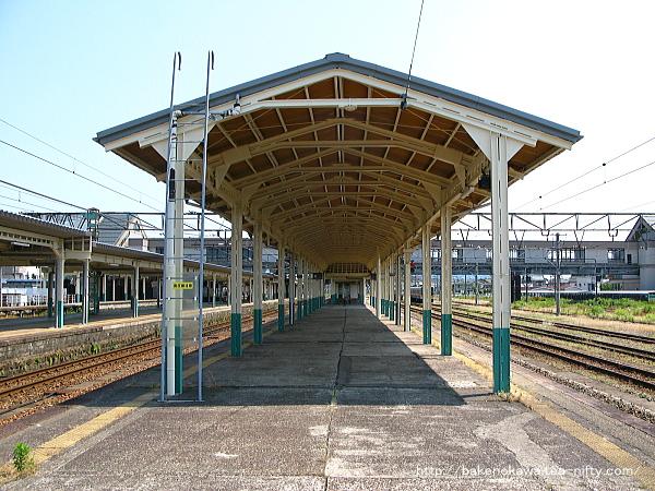 新津駅の4-5番島式ホームその3