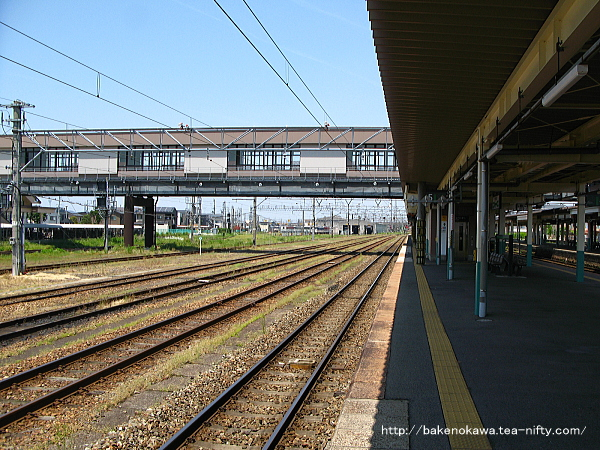 新津駅の4-5番島式ホームその5