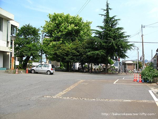 荻川駅東口駅前広場
