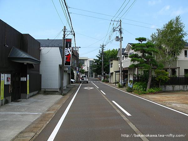 荻川駅東口駅前通り