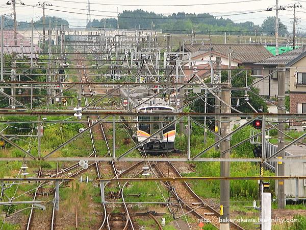 白新線に足を踏み入れるE129系電車