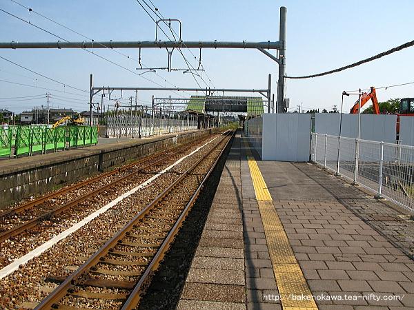 改築工事中の中条駅1番線その一