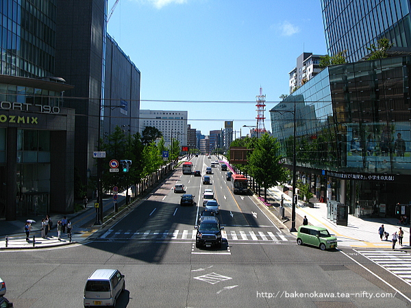 萬代橋南側手前の交差点