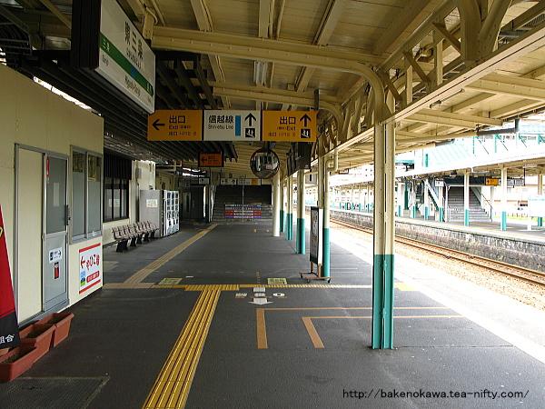 東三条駅1番ホームその2