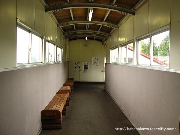 関山駅の跨線橋