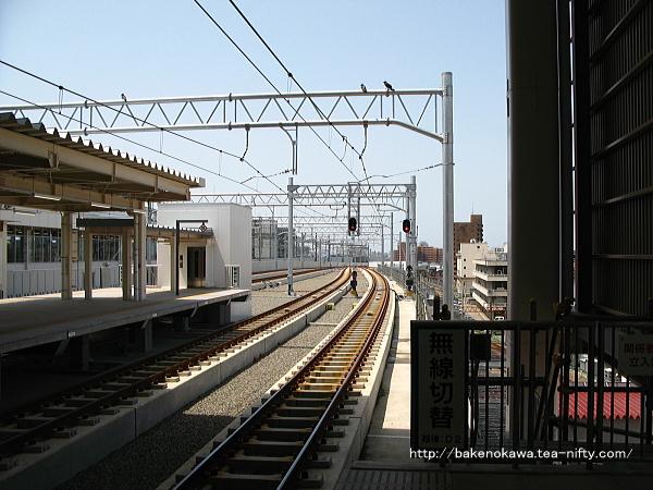 新潟駅在来線高架2番ホームの様子その2