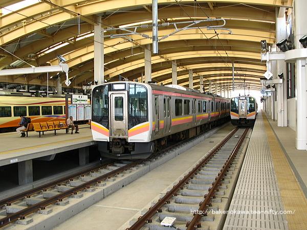 新潟駅在来線高架2番ホームの様子その3