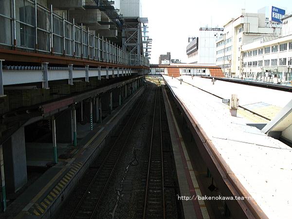 東側跨線橋上からみた新潟駅在来線旧構内の越後線方