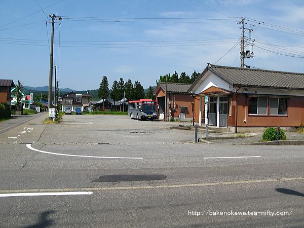 新潟交通観光バスの下関営業所の様子