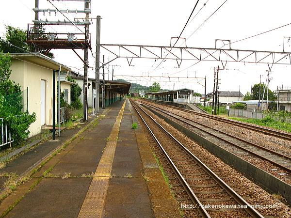 加茂駅の1番ホームその1