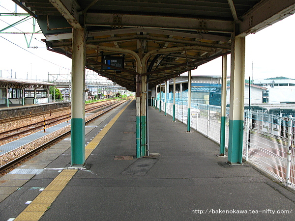 加茂駅の1番ホームその4