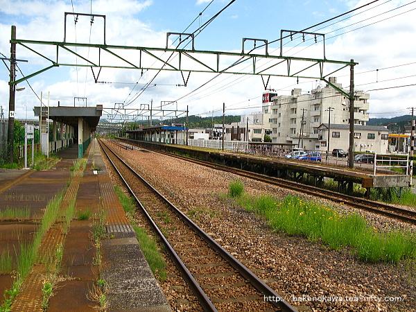 加茂駅の2番ホームその5