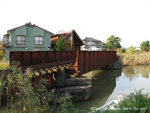 西川に架かる鉄橋その2
