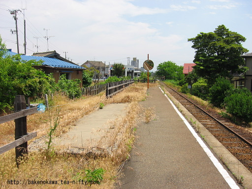 平島駅の廃ホームその2