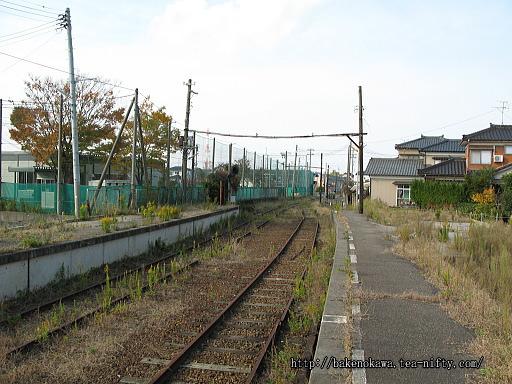 線路撤去後の焼鮒駅構内その1