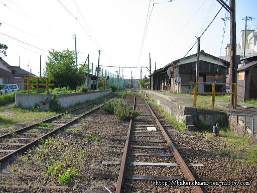 焼鮒駅の廃ホームその2